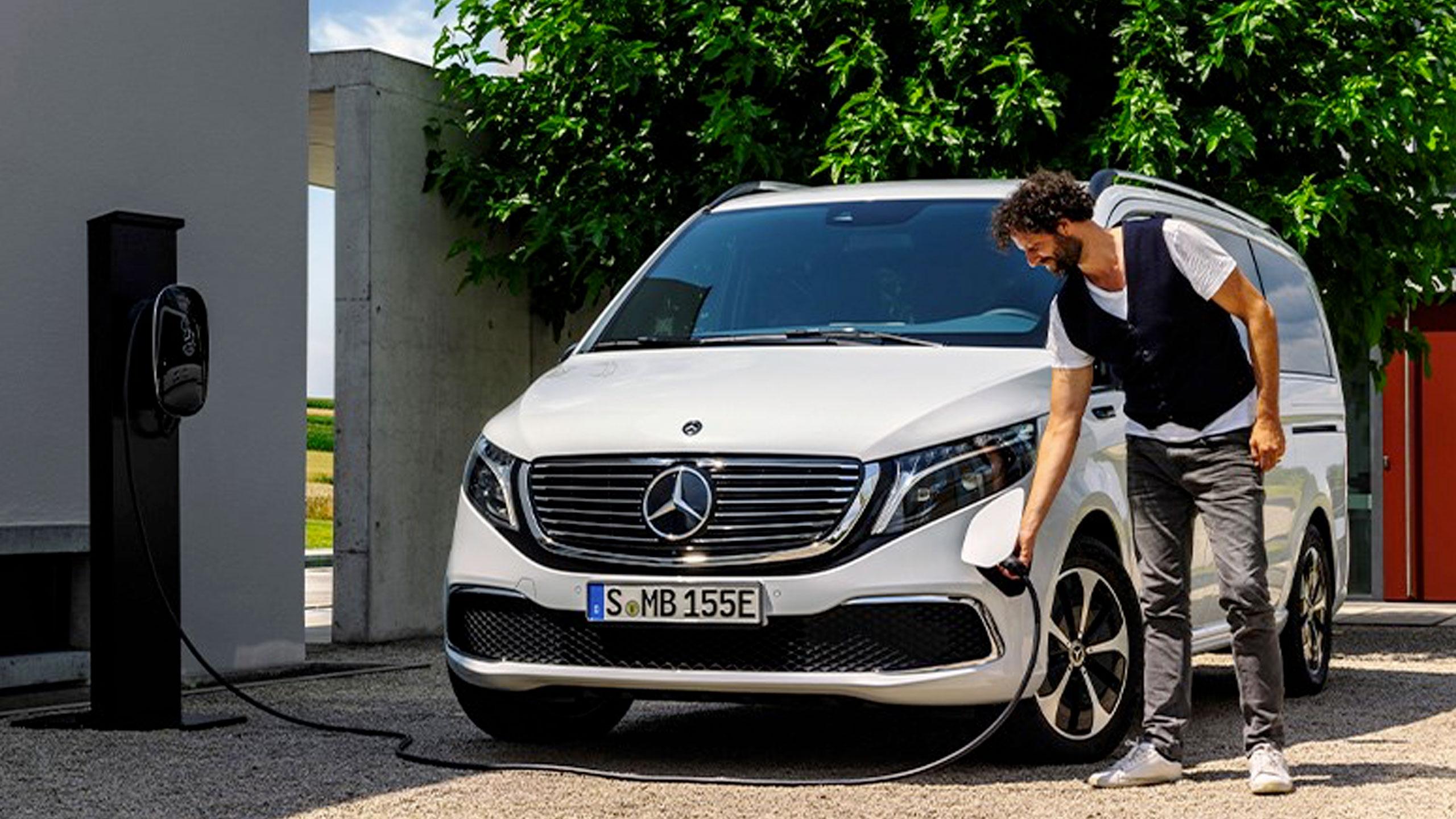 Utilitaire-Contrat-Services-Mercedes-Benz-01